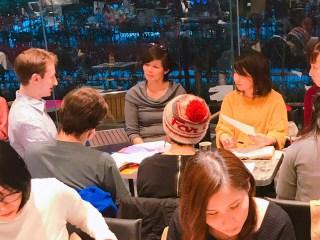 第一回英会話カフェレッスンで中級クラスのグループ