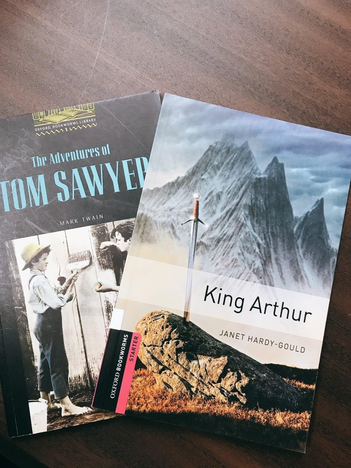トムソーヤの冒険とキングアーサーの本が2冊